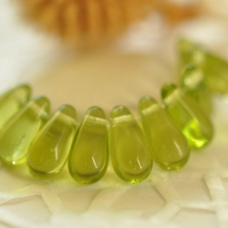 Czech Glass Drops 10x5 mm apple green 20 pcs